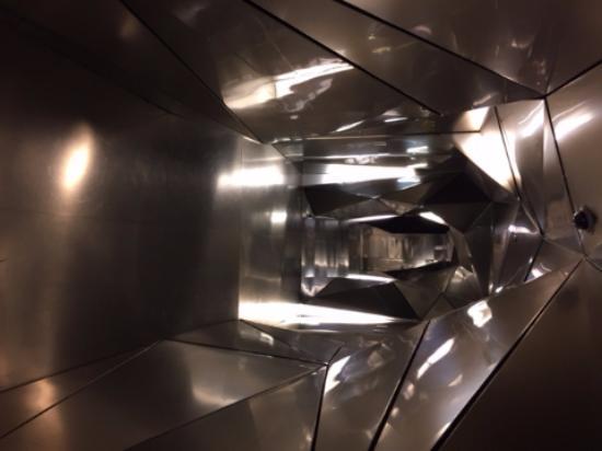 Silken Puerta America Madrid plasma studio, 4th floor, hallway - picture of silken puerta