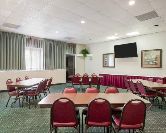 Comfort Inn Gold Coast 98 ̶1̶2̶0̶ Updated 2018