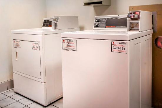 Comfort Inn Racine: Laundry