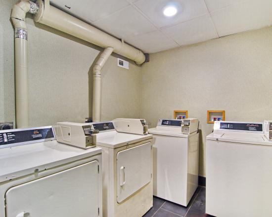 Comfort Inn Monticello: Laundry
