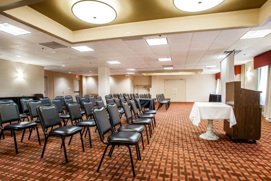 Clarion Hotel Palmer Inn: Meeting room