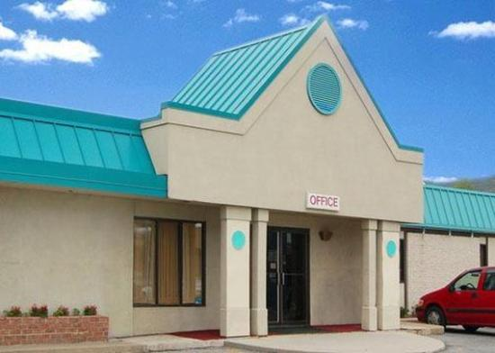 Photo of Econo Lodge Altoona
