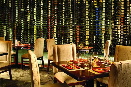 The Fairmont Dallas: Pyramid Restaurant