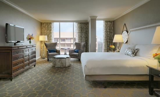 The Fairmont Dallas: Fairmont King Bedroom