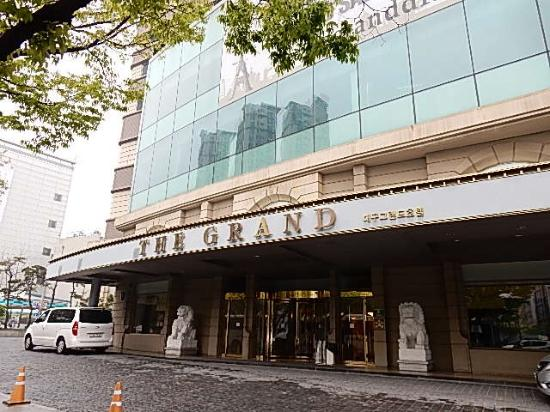 The Grand Daegu Hotel: 正面