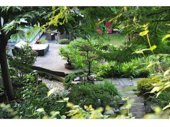 Un moment calme pour observer les carpes ko photo de le for Jardin de la tuilerie