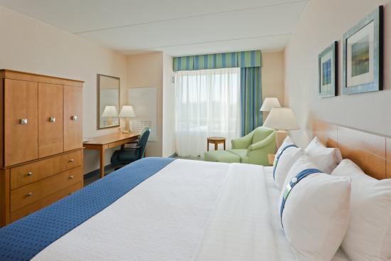 Holiday Inn Manahawkin / Long Beach Island: King Bed Guest Room