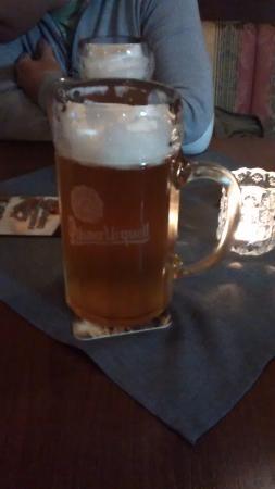 Martin, Σλοβακία: Разливное пиво в литровом бокале