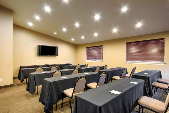 Quality Inn & Suites: Business