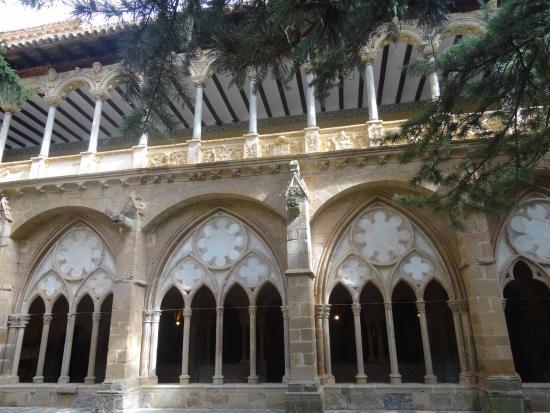Vera de Moncayo, Spanyol: CLOÎTRE GOTHIQUE FLAMBOYANT