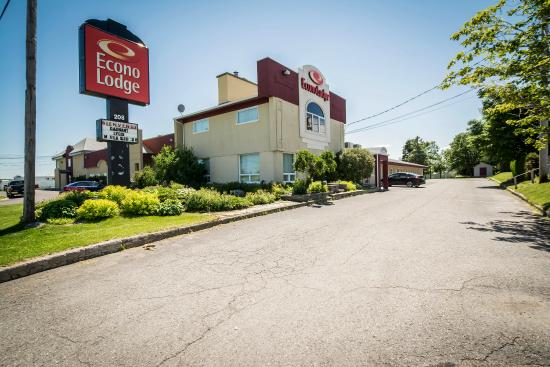 Photo of Econo Lodge Levis