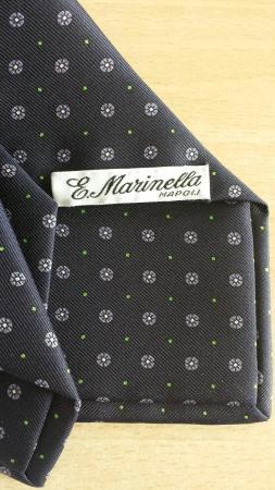 online Sito ufficiale anteprima di la cravatta si sceglie cosi - Picture of Marinella, Naples ...