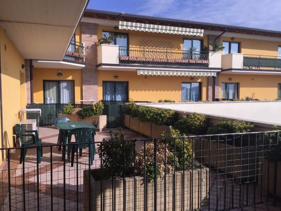 balconi di stanze per 4persone - Picture of Le Terrazze sul Lago ...
