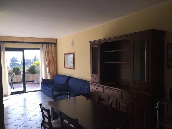 soggiorno - Bild von Le Terrazze sul Lago Residence & Hotel ...