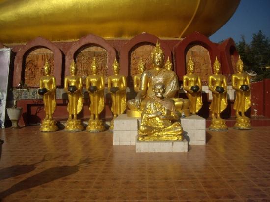 Si Samrong, Thailandia: Wat Soparam