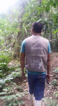 San Miguel del Bala Ecolodge: Un des guides durant une randonnée