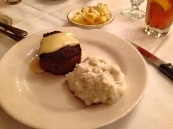 Beaumont Inn Dining Room: Filet