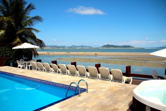 Costa Norte Ponta Das Canas Hotel Florianopolis: vista mar e praia da piscina principal