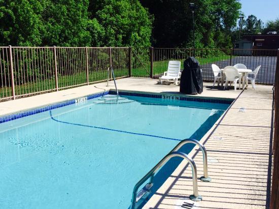 Macclenny, FL: Pool