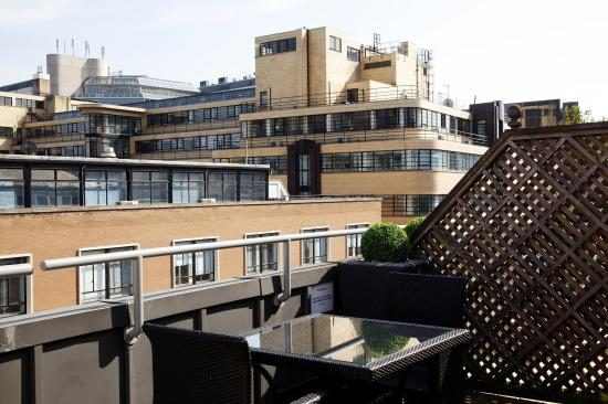 Roof terrace 3 picture of chamberlain hotel london for Terrace hotel london