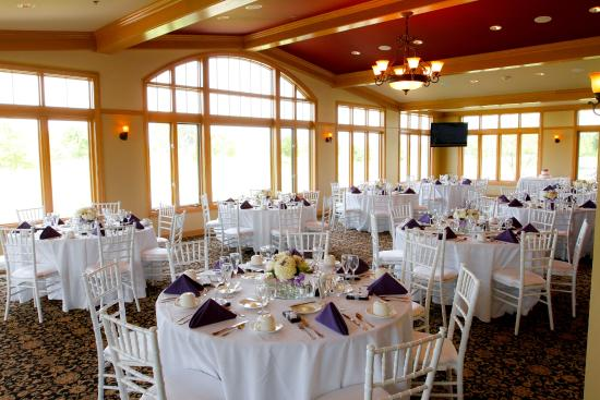 White Deer Run Golf Club: Four seasons room - wedding