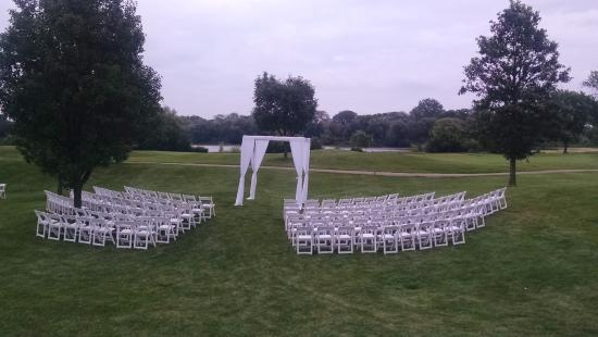 White Deer Run Golf Club: Outside ceremony set-up