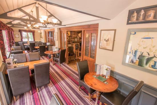 The Burley Inn Hotel: Pub area