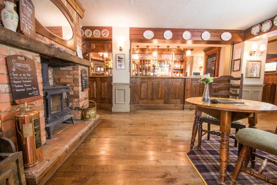 The Burley Inn Hotel: Pub area