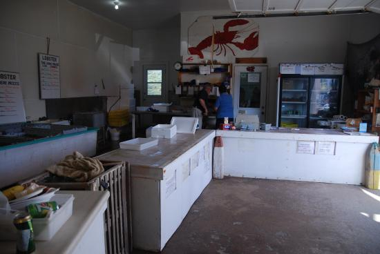 Ryer Lobsters: Cashier, Drinks, Cook Area