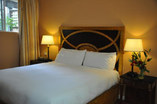 Branscomb's Bodega Bay Inn: Cal-King Beds
