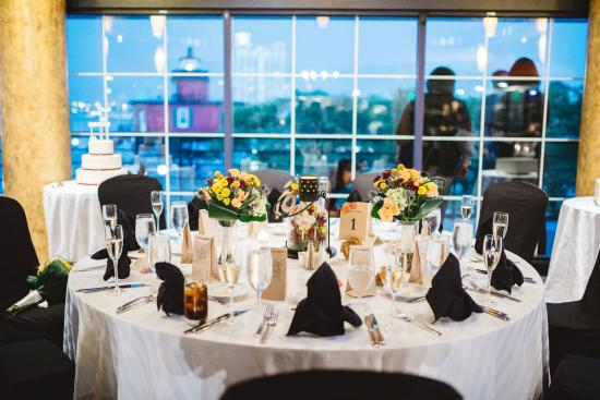 Pier 5 Hotel Baltimore Curio Collection By Hilton Bridal Table With Harbor Views