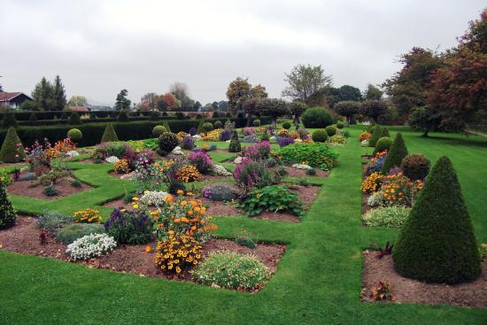 Westbury on Severn, UK: The Flower Garden In Late October