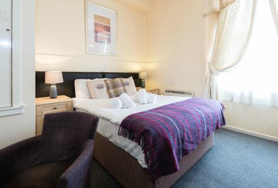 McKays Hotel, Bar & Restaurant: Bedroom