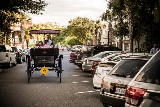Amelia Island, FL: Enjoy a romantic carriage ride through downtown Fernandina Beach.