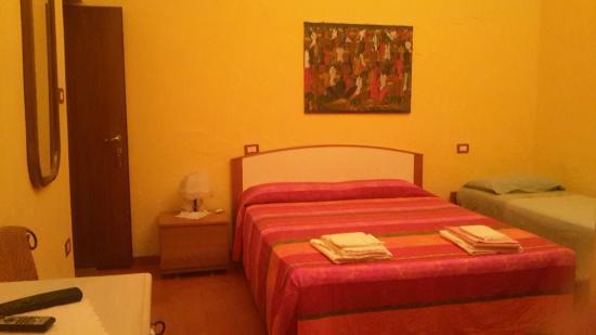 Tresnuraghes, Italia: CAMERA TRIPLA CASABLANCA