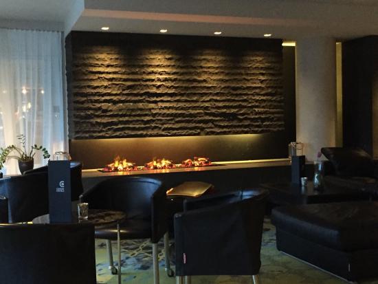 CenterHotel Plaza: Bar / sofa area