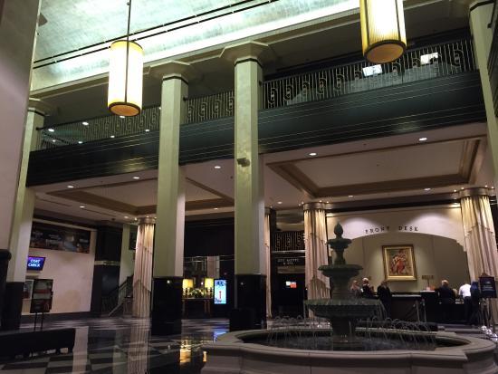 Mountaineer Casino Racetrack & Resort: Hotel Lobby