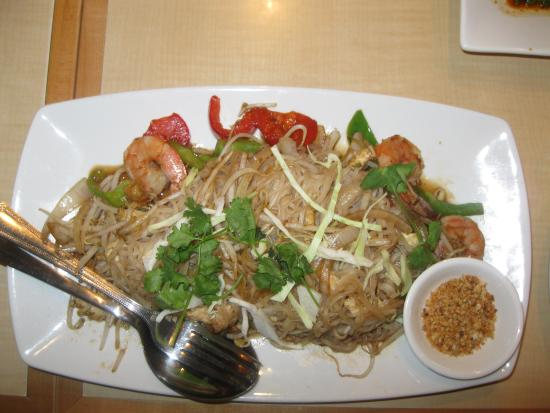 King & I Thai Cuisine : PAD THAI WITH SHRIMP/CHICKEN