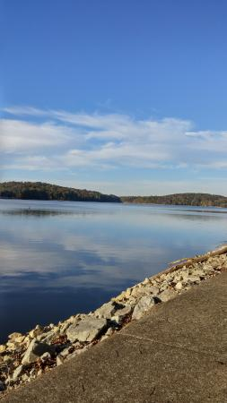 Cadiz, KY: Looking out over Lake Barkley from walkway around lodge.