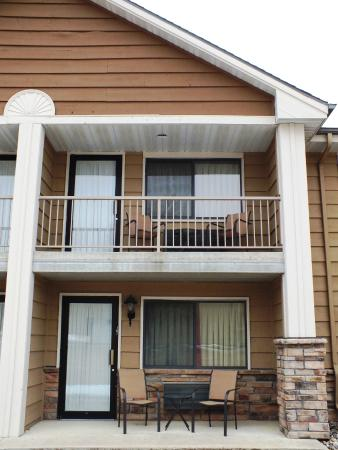 Okoboji, IA: Some rooms have a personal 2 person patio or balcony