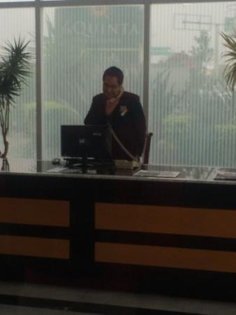 LQ Hotel by La Quinta Puebla Palmas : PESIMA ACTITUD.. BURLON Y GROSERO