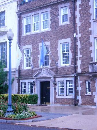 Massachusetts Avenue - Embassy Row - Vietnam Zypern