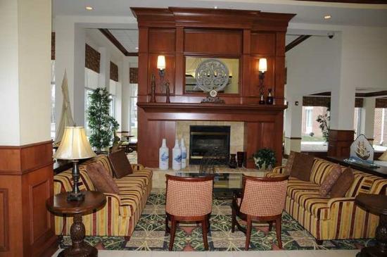 Hilton Garden Inn Mystic Groton: Lobby