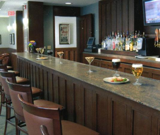 Charles F. Knight Executive Education & Conference Center : Bar