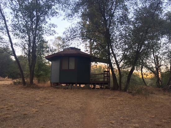 Pleasant Valley Sanctuary : Upper Cabin