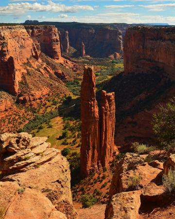 "Holiday Inn Canyon de Chelly: the famous ""Spider Rock"""