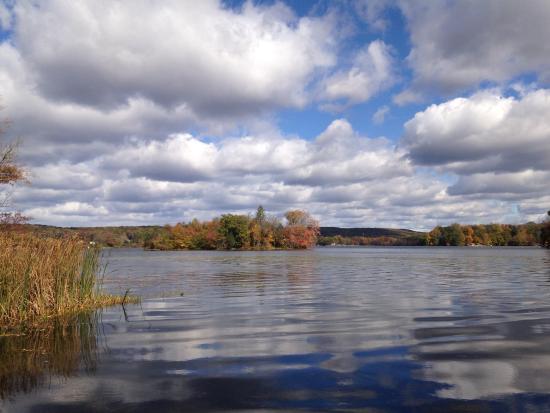 Hampton, NJ: Lake