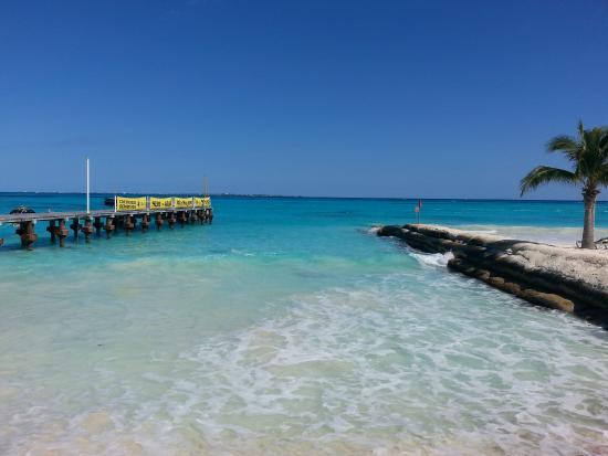 Playa Caracol: El muelle