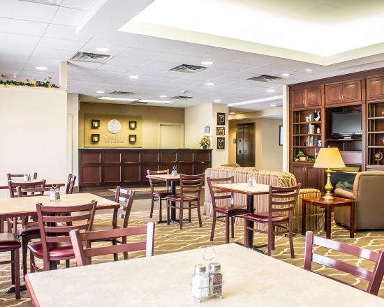 Dayville, CT: Breakfast Area