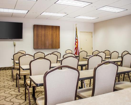 Dayville, CT: Meeting Room